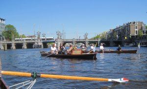 Auf der Amstel im Zentrum von Amsterdam (Foto: T. Jakobs)