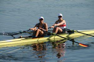 Julia und Frieda sind glücklich über den Einzug ins Finale (Foto: F. Leiding)
